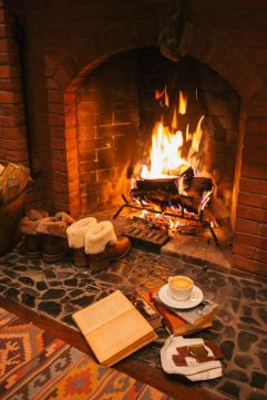 d55b987587415231109a59fed36613a5--winter-fireplace-fireplace-cozy